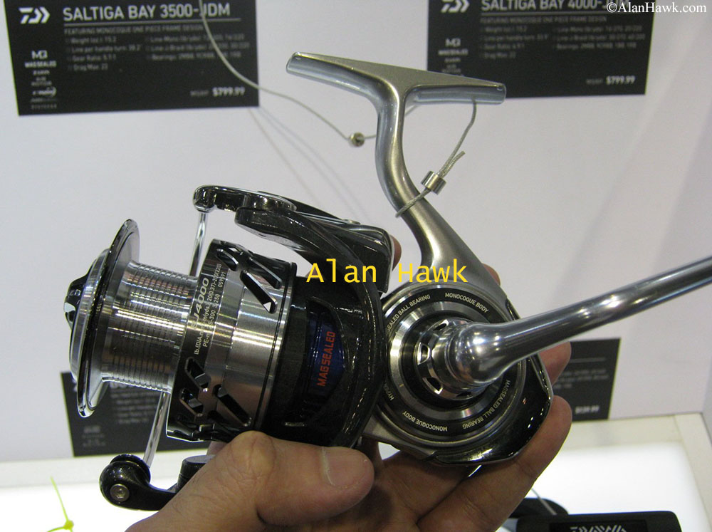 Jigging World Small Spinning Reel Pouch Cover Daiwa Strikeforce-B 2500 reels new